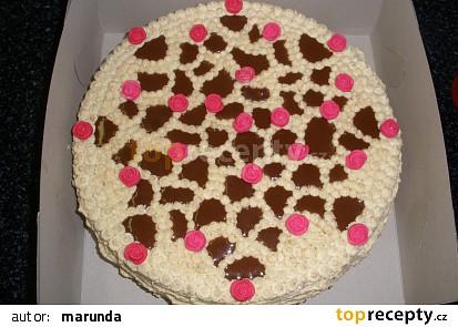 Oříškový dort s růžičkami