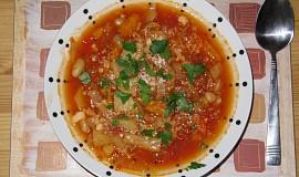 Zimní minestrone s krutony