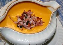 Dýňový krém s pečeným česnekem