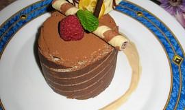 Pěnový dort (mousse) z mléčných karamel
