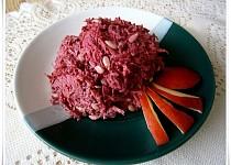 Salát z červené řepy za syrova