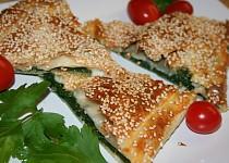 Slaný závin s listovým špenátem a zralým kozím sýrem