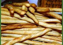 Tyčinky z bramborových knedlíků v prášku