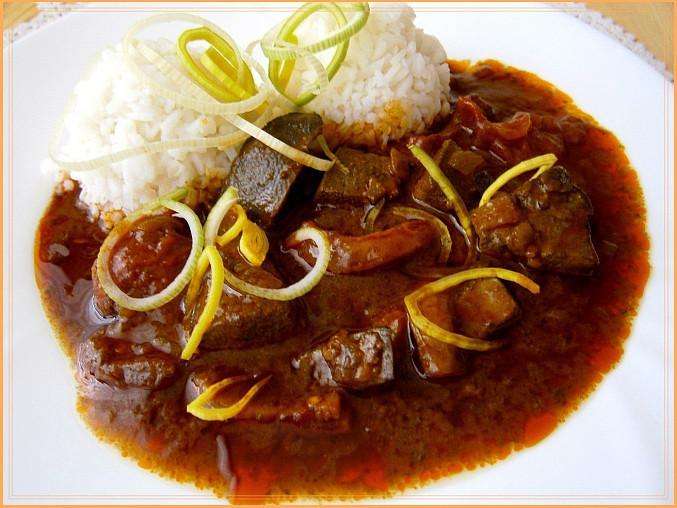Vepřová játra v pikantní šťávě z papiňáku, hodí se rýže,těstoviny,bramboráčky