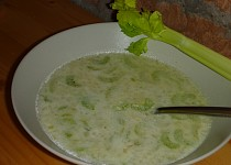 Cibulovo - řapíkatá polévka