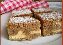 Karamelový koláč s tvarohem
