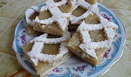 Mřížkový koláč s hruškovými povidly