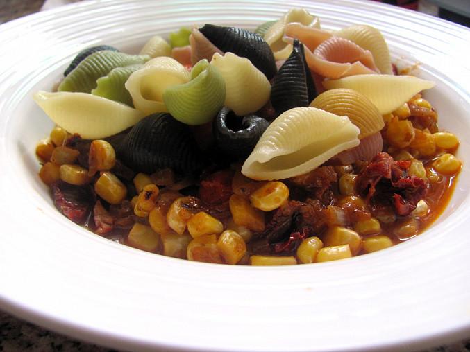 Jednoduché těstoviny s pestem a zeleninou