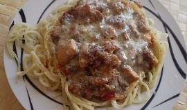 Špagetová hnízda s kuřecí směsí