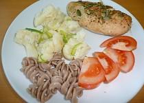 Výborná dietní pečená prsíčka na česneku a cibulce