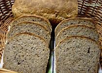 Semínkový chléb s medem
