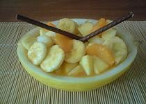 Ovocný salát v melounu
