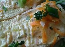 Jarní pomazánka z  tvarohu, bílé ředkve,  paprik a mrkve