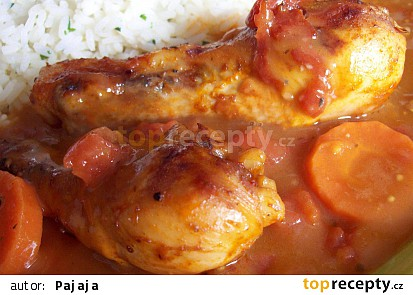 Šťavnaté kuřecí paličky na zelenině