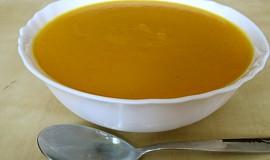 Krémová polévka s nádechem Indie