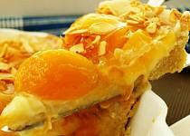 Meruňkový koláč s mandličkami.... nebo naopak?