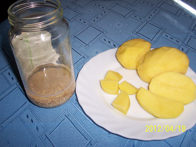 nejdřív krupky, vodu a pak brambory ....