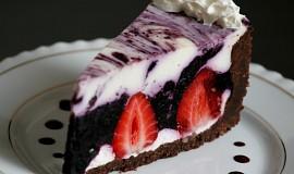 Nepečený dort s borůvkami a jahodami