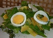 Pampeliškový bramborový salát