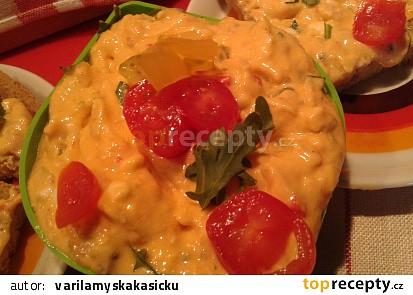 """Pomazánka """"Plamen"""" ze sýrů a zeleniny"""