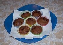 Kakaové muffiny s bílou čokoládou
