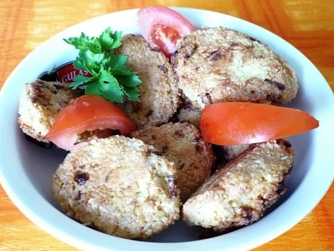 Tofu-kuskusové karbanátky