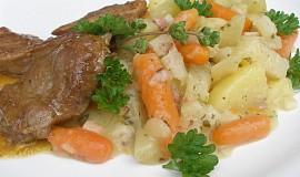 Kedlubny, mrkev, brambory dušené s majoránkovou omáčkou