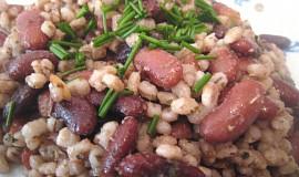 Kroupy s fazolemi na slanině nebo špeku