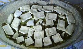 Zapečené brambory se špenátem a Hermelínem