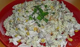 Těstoviny s koprovou zakysankou, žampiony a masem