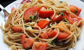 Celozrnné špagety aglio&tomato - lehké, letní a dobré