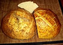 Domácí zlatý chleba