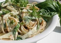 Kedlubnovo-mangoldová omáčka na těstoviny