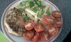 Kuřecí steak s těstovinami
