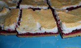 Linecký rybízový koláč pod sněhem