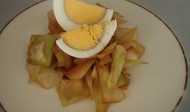 Rané zelí s vajíčkem