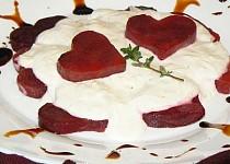"""""""Romantická večeře ve dvou"""": Srdíčka z červené řepy"""
