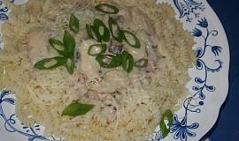 Těstoviny s nivovo-smetanovou omáčkou a kuřecím masem
