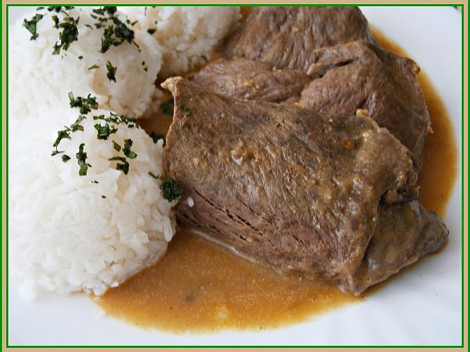 Hodí se rýže,těstoviny i knedlík.