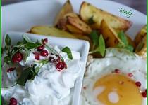 Bylinkové brambory s tvarohem a vejci