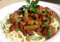 Fazole, fazolky a kuličky v rajčatové omáčce