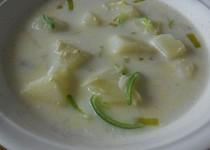 Porková polévka s bramborami, vejci , vločkama, smetanovo-sýrová