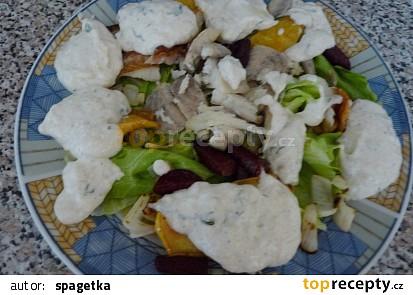 Salát s uzeným úhořem a zálivkou