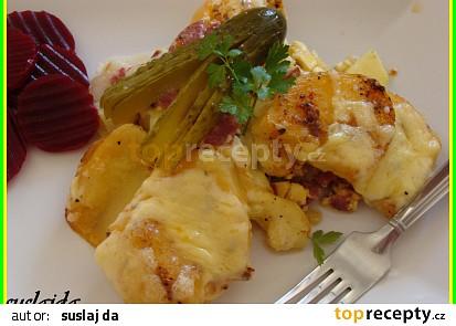 Zapečené brambory s cuketou a paprikami