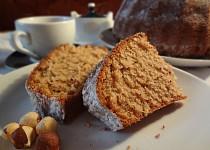 Ořechová bábovka z třtinového cukru
