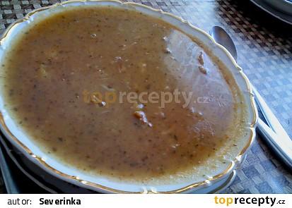 Gulášová polévka z králičích kostí