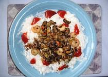 Mořské plody se skleněnými nudlemi a chilli omáčkou