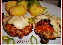Pečené kuřecí porce s Loštickou omáčkou z tvarůžků