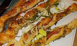 Chuťovka - slaninové  tyčky / vrtulky /