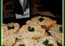 Třídruhový rybí salát na chlebíčky